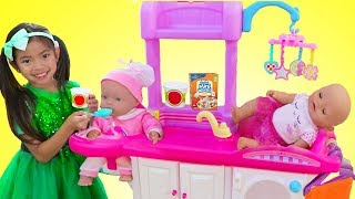 Emma Pretend Play Babysitting Cry Baby Dolls w/ Nursery Playset Girl Toys