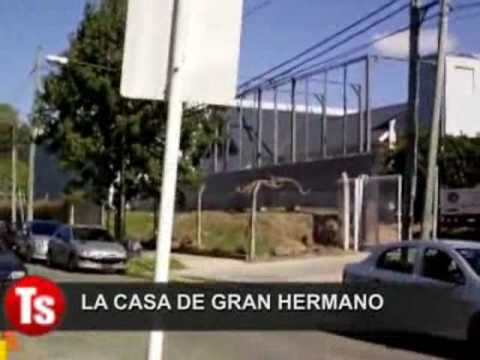 la casa de gran hermano por fuera youtube. Black Bedroom Furniture Sets. Home Design Ideas