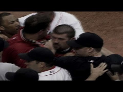 NYY@BOS: A-Rod, Varitek exchange words; benches clear