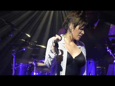 Beth Hart - Caught out in the rain - LIVE PARIS 2014