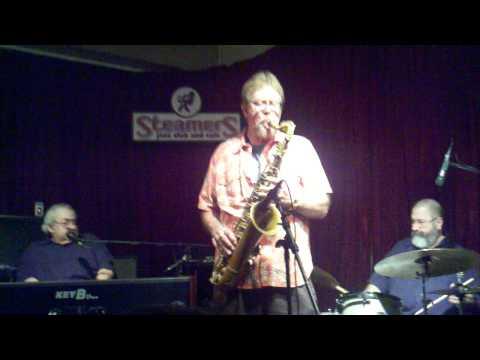 Steve Wilkerson Grooves at Steamers 1-15-11.3gp