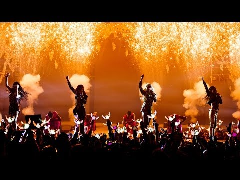 2ne1 - crush Live Performance video