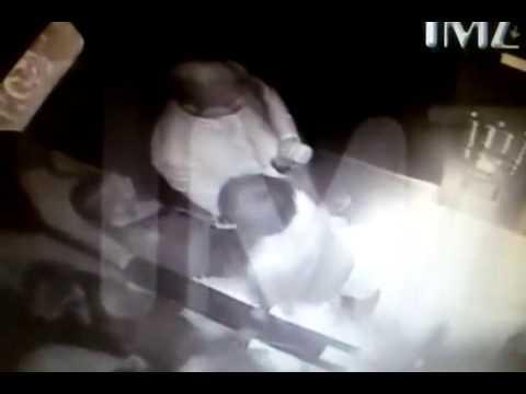 Solange Knowles Attacks Jay Z Ful Video .jay z apanha da irma de  Beyoncé