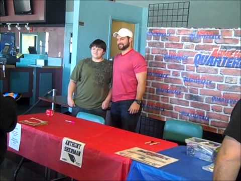 Anthony Sherman signing autographs at the Plainville Sports Card Show
