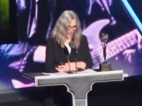 Patti Smith inducts Lou Reed into the Rock & Roll Hall of Fame - Complete Speech