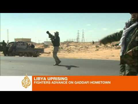 Rebels fight for Libya's Ras Lanuf