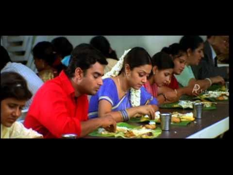 Priyamana Thozhi - Jyothika Supports Madhavan video
