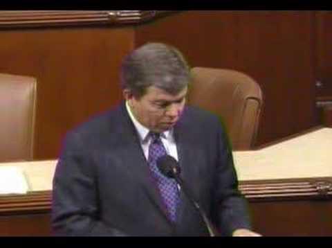Blunt speaks against the Democrats' massive spending spree