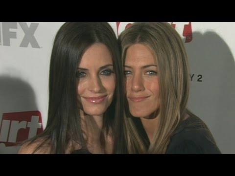 'Friends' Forever! Courteney Cox Was Jennifer Aniston's Maid of Honor