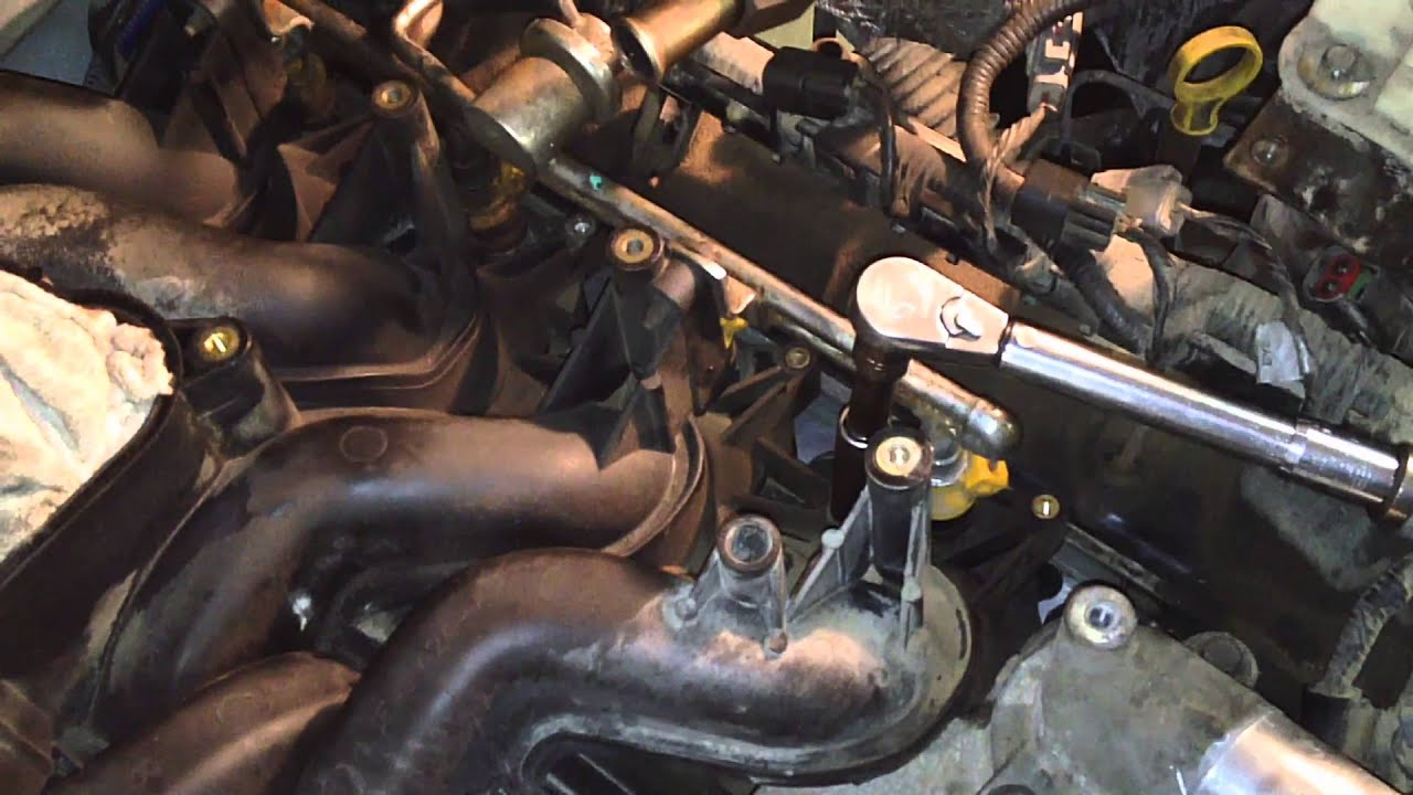 Ford 5.4L 2v Engine Intake Gaskets P0171 P0174 - YouTube