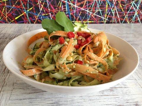 Fetuccini de Verduras con pesto de Rúcula