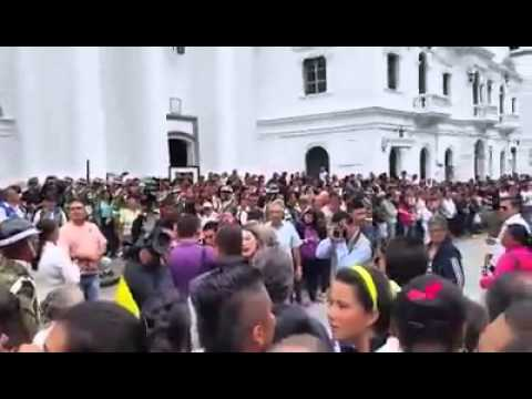 Respaldo a expresidente Álvaro Uribe