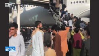 Afghanistan, la fuga in massa verso gli aerei -  Estate in Diretta 17/08/2021