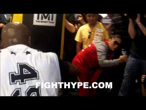 FLOYD MAYWEATHER BLASTS THE HEAVYBAG AT MEDIA DAY FOR MARCOS MAIDANA FIGHT