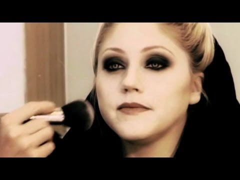 "Twilight New Moon ""Jane"" Vampire Makeup Tutorial"