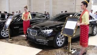 Historic auction earns 11.6 billion kip; PM's car draws highest bid
