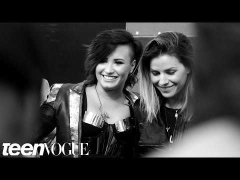 Demi Lovato Backstage at Her World Tour | Headliners