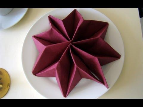 Hur man viker en stjärna av en servett