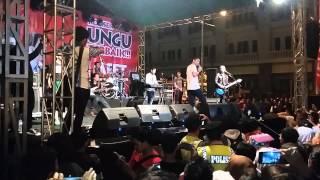 download lagu Konser Ungu Terbaik Karawang Berteman Sepi gratis