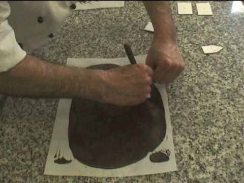 Decoración en chocolate de la Tarta Selva Negra (1 de 2). Europast.net