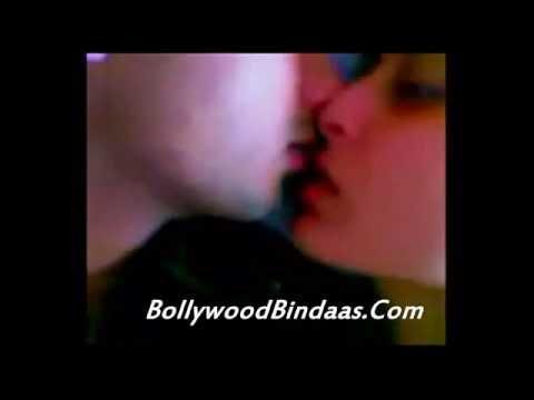 Exclusive !! Kareena Kapoor And Shahid Kapoor Hot Kissing Scene 2014 video