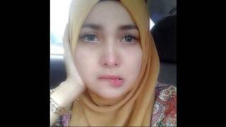 Jilbab Cantik dan Manja