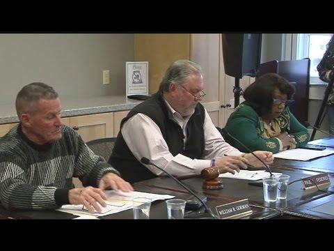 East Longmeadow voters in favor of a town charter