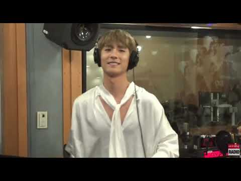 BOYFRIEND MINWOO - MR. CHU (A-PINK) Dance cut at Super Kpop