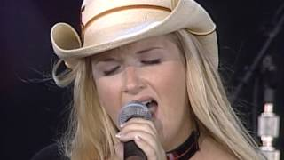 Trisha Yearwood - There Goes My Baby Live At Farm Aid 1999