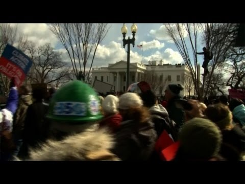 Climate campaigners rally against Keystone pipeline