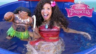 Disney Moana & Mega Maui Dunk Tank Challenge! || Disney Toy Review || Konas2002