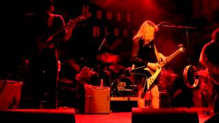 Watch Grace Potter & The Nocturnals The Divide video