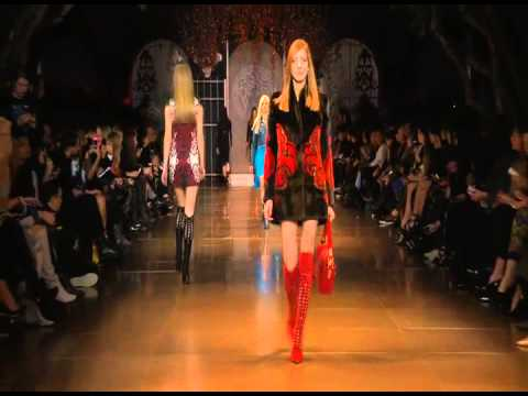 Versace Women's Wear Autumn Winter 2014 Fashion Show