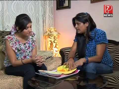 P7 NEWS ANCHOR KANIKKA MALHHOTRA DOING BAZAAR SE WITH PAYAL SINHA