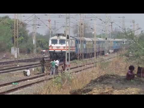 Brc Wap-5 With Karnavati Express. video