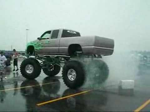 baddass lifted chevy burnout by Kyle Video