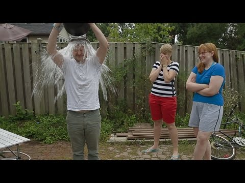 Cold In Vlog (Giant Bug, ALS Ice Bucket Challenge, and Flying Sharks)