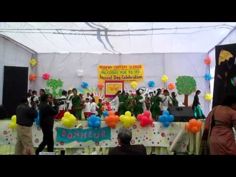 Dhaker Tale Komor Dole - Dance By Anika Chakrabarty - Annual Day At School video