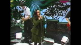 Watch 10000 Maniacs The Latin One video