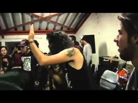 Concerts Fail Compilation ( metal ) momentos graciosos y accidentes