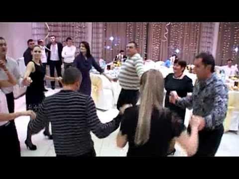 ANATOL BOBEICO Formatie de lautari din CHISINAU! Tel:079527436. Sustinem orice petrecere ,onomastica,cumetrii , nunti, spectacole..Genuri muzicale: Cafe Concert ,Latino, Folclor , Blues ,...