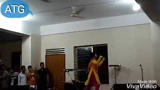 Chupi chupi mon churi kore..Bangla dance.