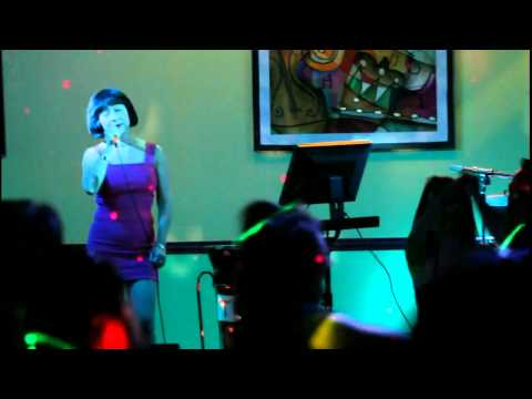 Laura Branigan- Self Control- Bich Thuy cover- Jul 2011