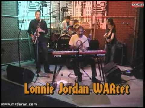 Lonnie Jordan WARtet -