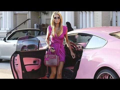 Paris Hilton shopping in Barney's in Los Angeles | Feb 2014