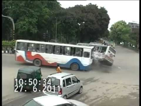 BUS ACCIDENT.upload
