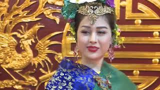Diễn viên Võ Thanh Hiền loan giá tạ tiệc Hoàng Mười