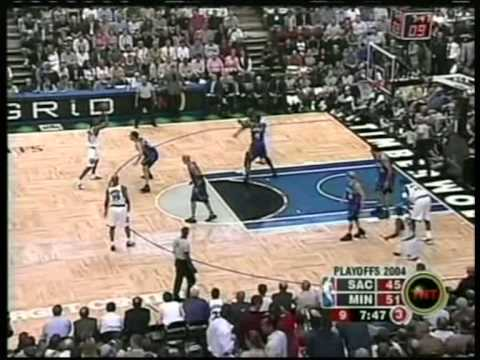 Kevin Garnett 32 pts,21 reb,4 stl,5 blk, playoffs 2004 wolves vs kings game 7