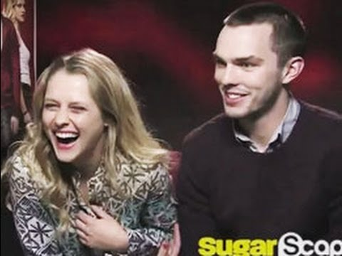 Warm Bodies stars Nicholas Hoult and Teresa Palmer talk zombie dating tips