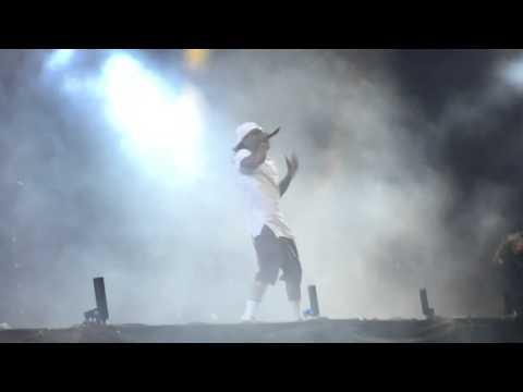"G-Eazy & Lil Wayne ""Pop That"" Live at Coachella 2016"